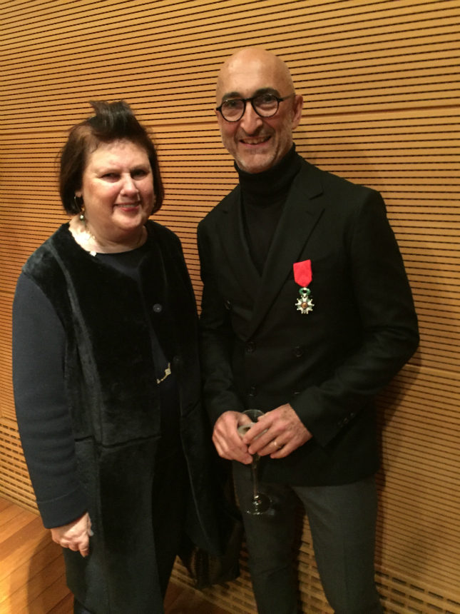 Pierre Hardy receiving his Légion d'Honneur on 26 January 2016, with fellow 2005 honoree Suzy Menkes