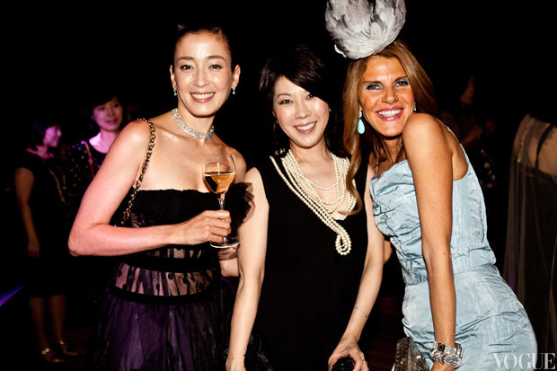 Rie Miyazawa, Mitsuko Watanabe, Editor in Chief of Vogue Japan and Anna Dello Russo, Editor-at-Large and Creative Director of Vogue Japan credit QuYi.jpg