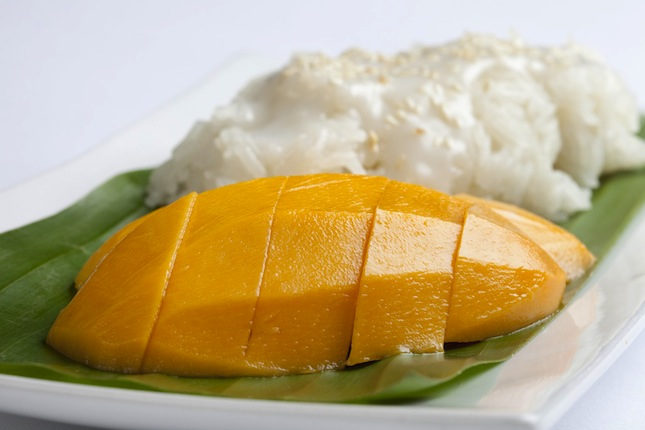 MACGH_P186_Sticky_Rice_and_Mango_56808_med.jpg