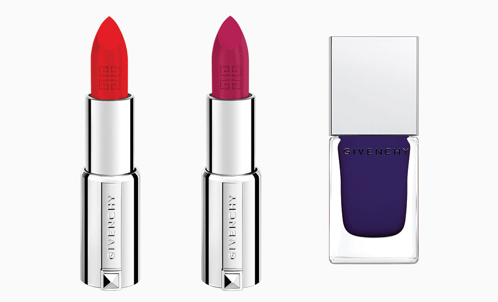 Помада Le Rouge Givenchy, No. 321 Heroic Red и No. 212 Heroic Pink; лак Le Vernis, No. 30 Heroic Blue