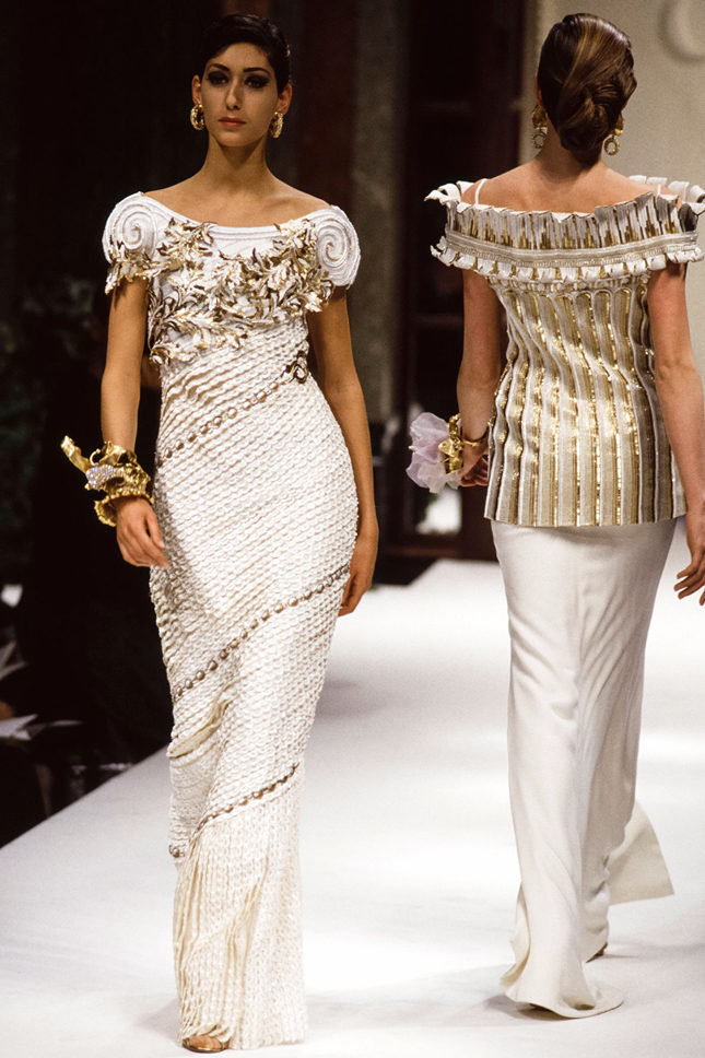 Модель в платье Palladio на показе Christian Dior Couture весна-лето 1992