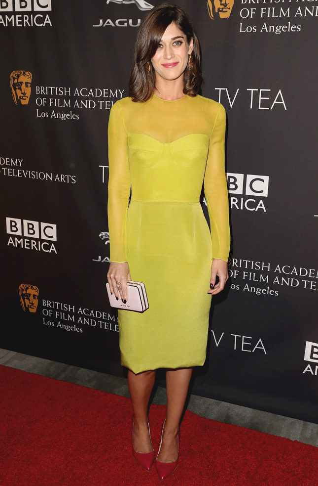 Лиззи Каплан в Cushnie et Ochs на вечеринке BAFTA Los Angeles TV Tea Party