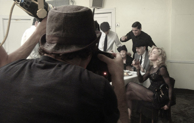 20100714-madonna-dolce-gabbana-fall-winter-campaign-behind-scenes-06.jpg
