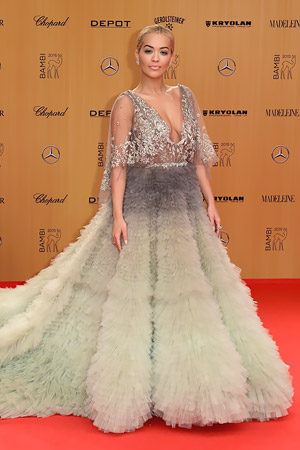 Рита Ора в Marchesa на церемонии Bambi Awards в Берлине