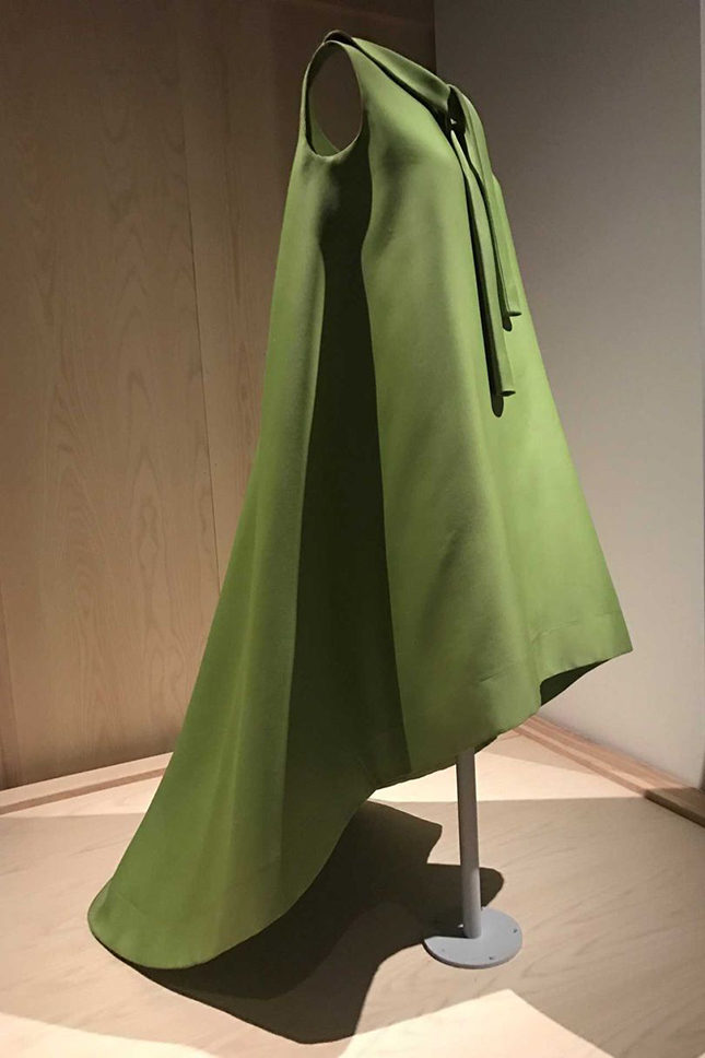 Dress (1967) in green silk gazar by Cristóbal Balenciaga (Spanish, 1895-1972) for his Haute Couture collection for House of Balenciaga (French, founded 1937). Gift of Judith Straeten, 2015