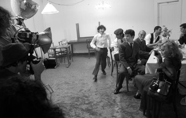 20100714-madonna-dolce-gabbana-fall-winter-campaign-behind-scenes-05.jpg