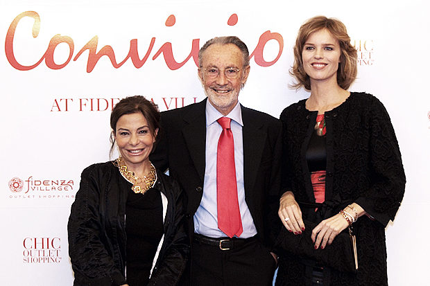Desiree Bollier CEO Value Retail Management, Prof. Mauro Moroni, President Anlaids Lonbardia, Eva Herzigova.jpg