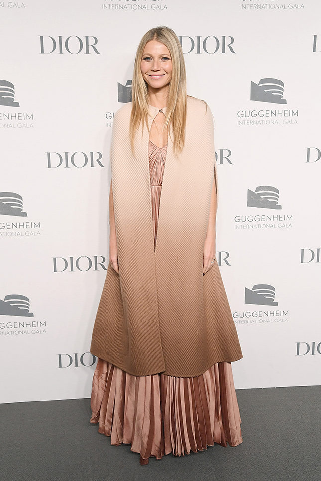 Гвинет Пэлтроу в Dior на Guggenheim International Gala в Нью-Йорке