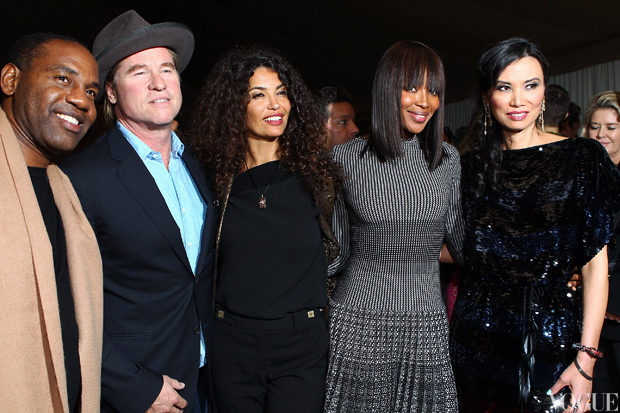 Val Kilmer, Naomi Campbell, Wendi Murdoch and friends .jpg