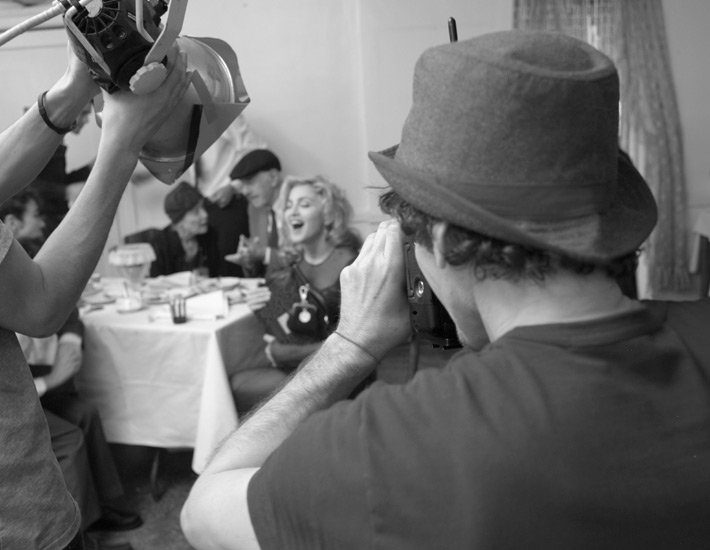 20100714-madonna-dolce-gabbana-fall-winter-campaign-behind-scenes-10.jpg