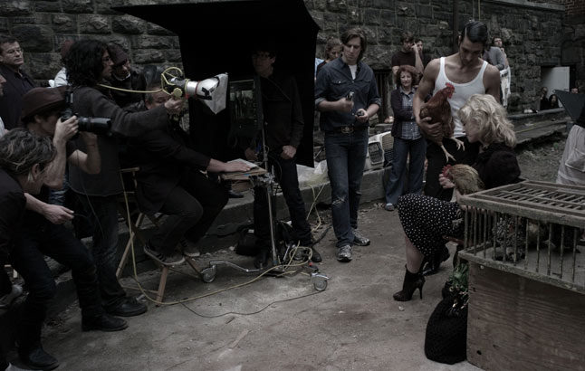 20100714-madonna-dolce-gabbana-fall-winter-campaign-behind-scenes-01.jpg
