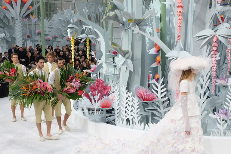 17 Chanel couture, spring:summer 2015 The paper jungle..jpg