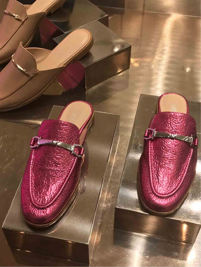 Arezzo's Gucci-inspired, metallic leather snaffle mules