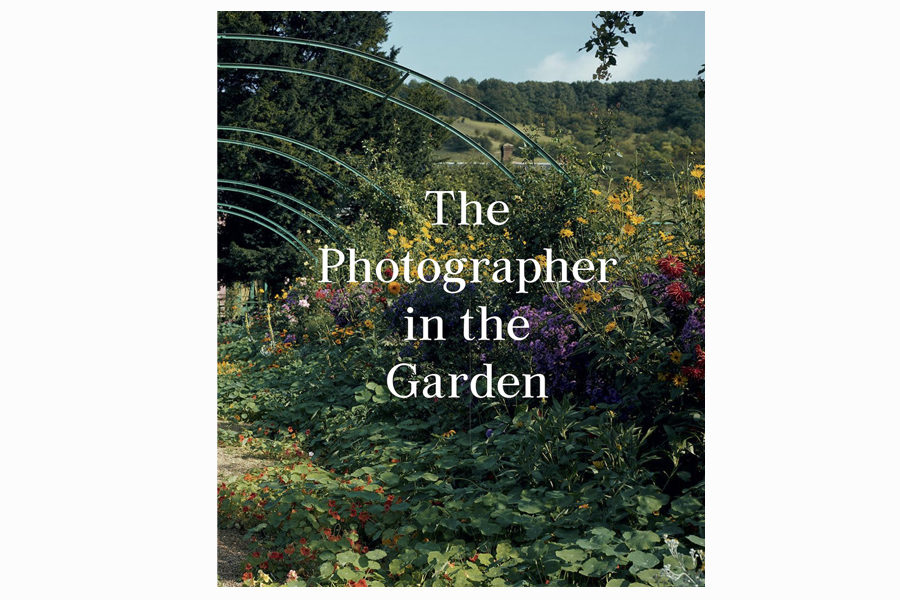 Книга The Photographer in the Garden, $36.59, amazon.com