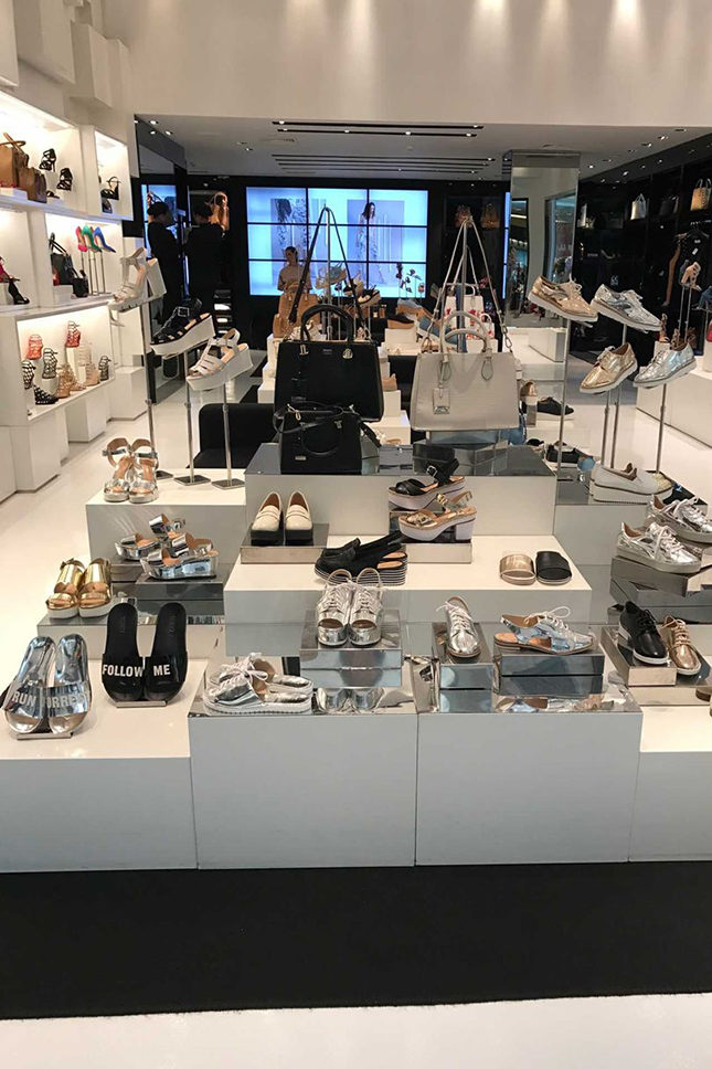 A display at Schutz, one of the many shoe shops in Iguatemi