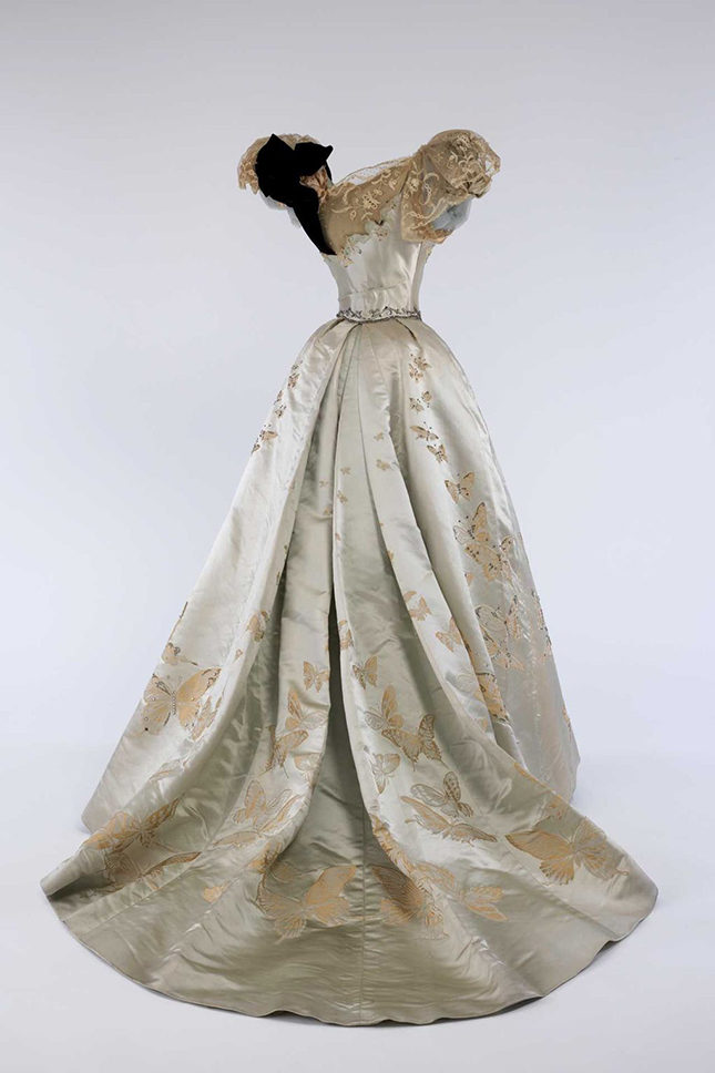 Ball gown (1898) by Jean-Philippe Worth (French, 1856-1926) for House of Worth (French, 1858-1956).