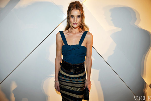 rosie huntington-whiteley in burberry.jpg