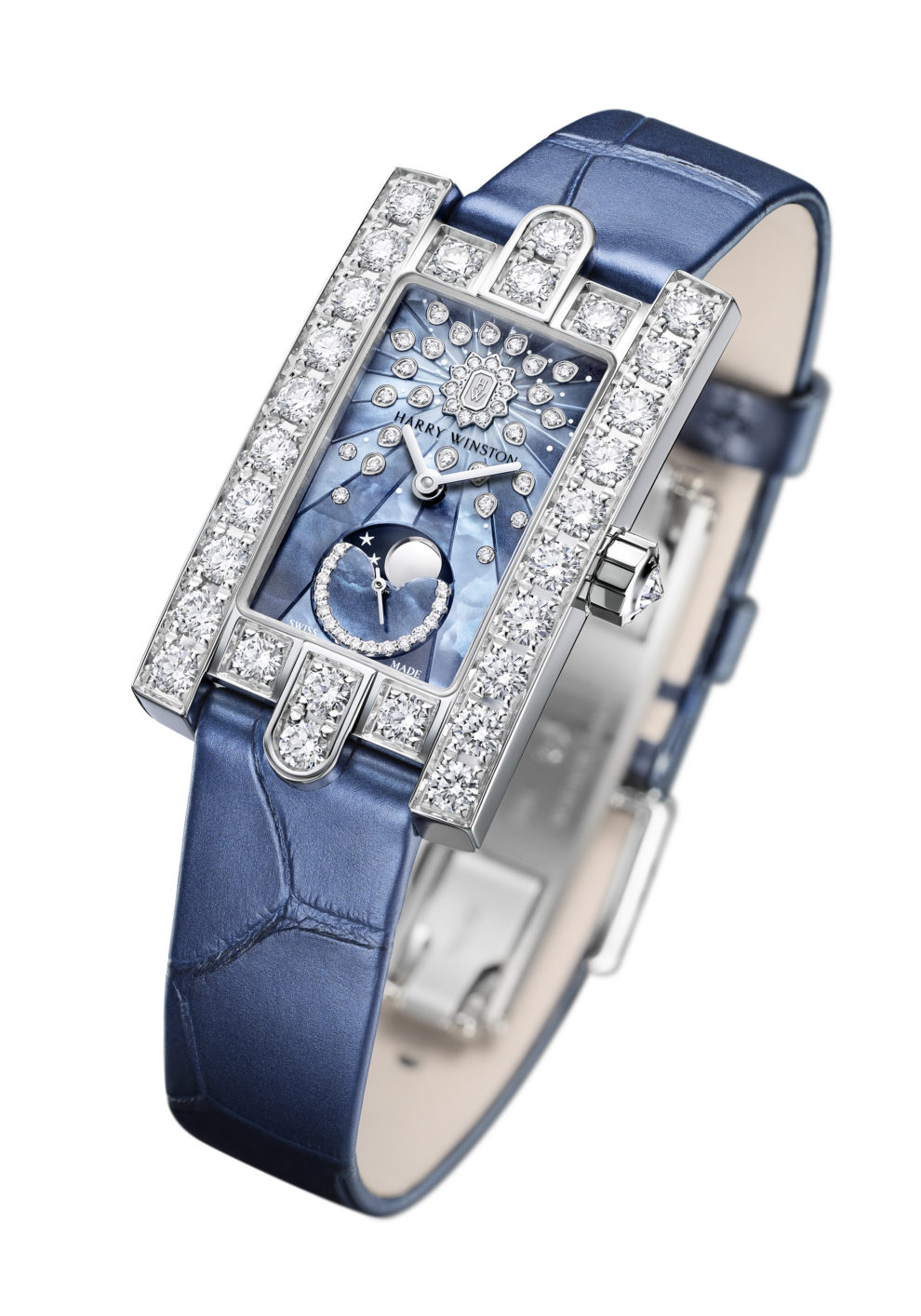 Все оттенки ясного неба в часах Harry Winston Avenue