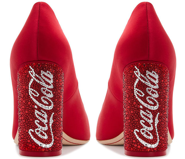 Туфли Sophia Webster x Coca-Cola, 56800 рублей, sophiawebster.com