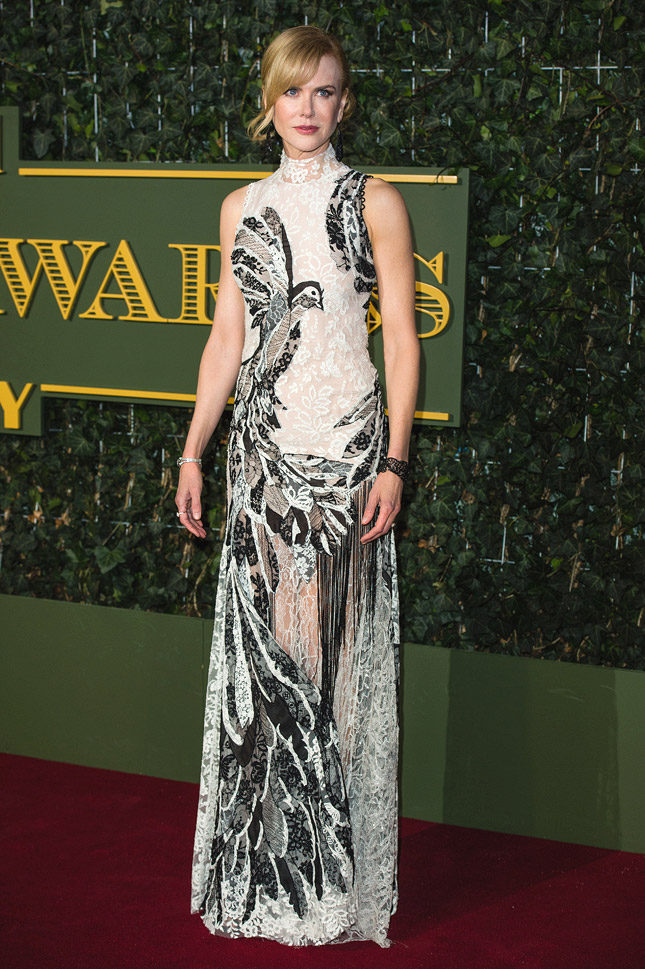 Николь Кидман в Alexander McQueen на церемонии Evening Standard Theatre Awards в Лондоне