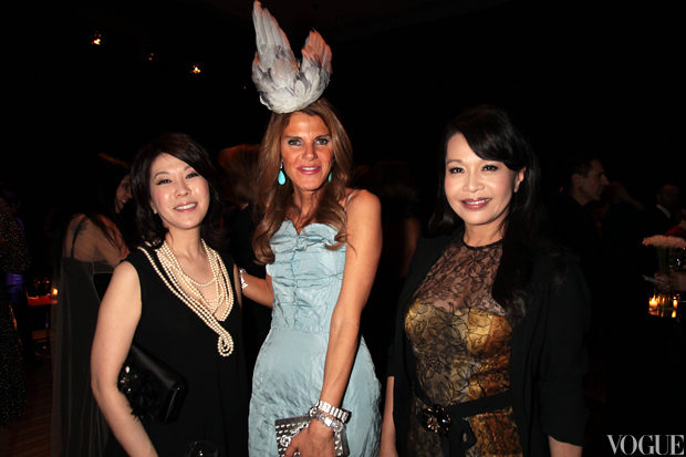 Mitsuko Watanabe, Editor in Chief of Vogue Japan, Anna Dello Russo, Editor-at-Large and Creative Director of Vogue Japan and Rosalie Huang, Editor-at-Large of Vogue Taiwan.jpg