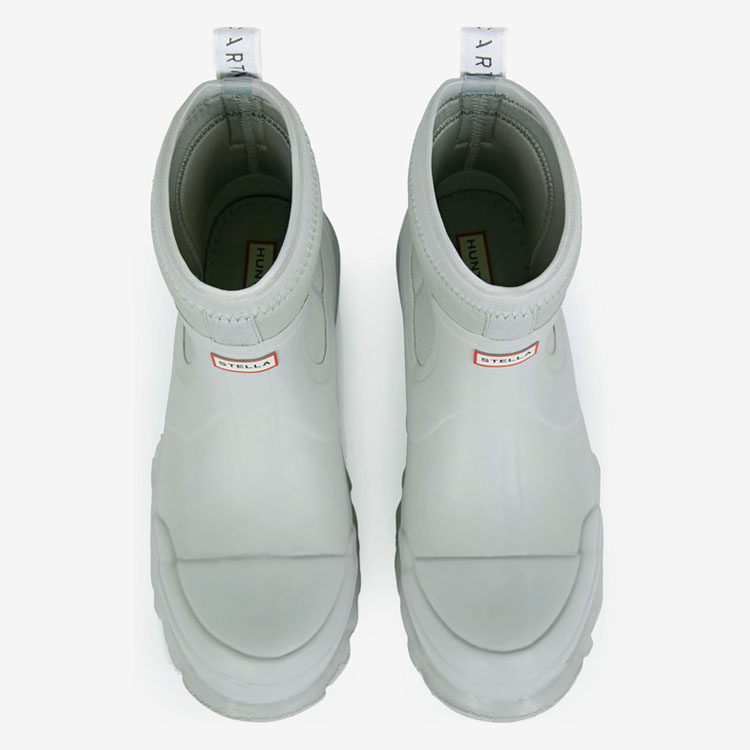 Stella McCartney x Hunter Boots, 22163 рубля, stellamccartney.com